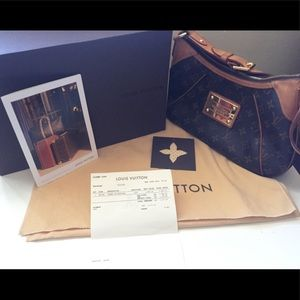 Authentic Louis Vuitton Thames PM